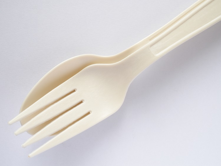 shutterstock_433808932-fork-and-spoon